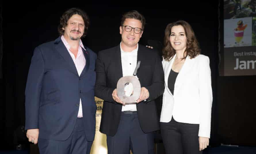 Jay Rayner and Nigella Lawson present the Best Instagram Feed for Food Lovers award to Jamie Oliver.