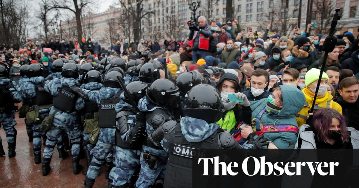 'The problem is Putin': protesters throng Russia's streets to support jailed Navalny