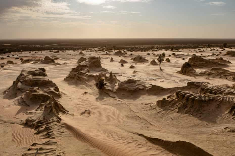 Mungo National Park was once a lush lake and wetlands, and a gathering place for local aborigines.
