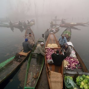The floating vegetable market on Dal Lake