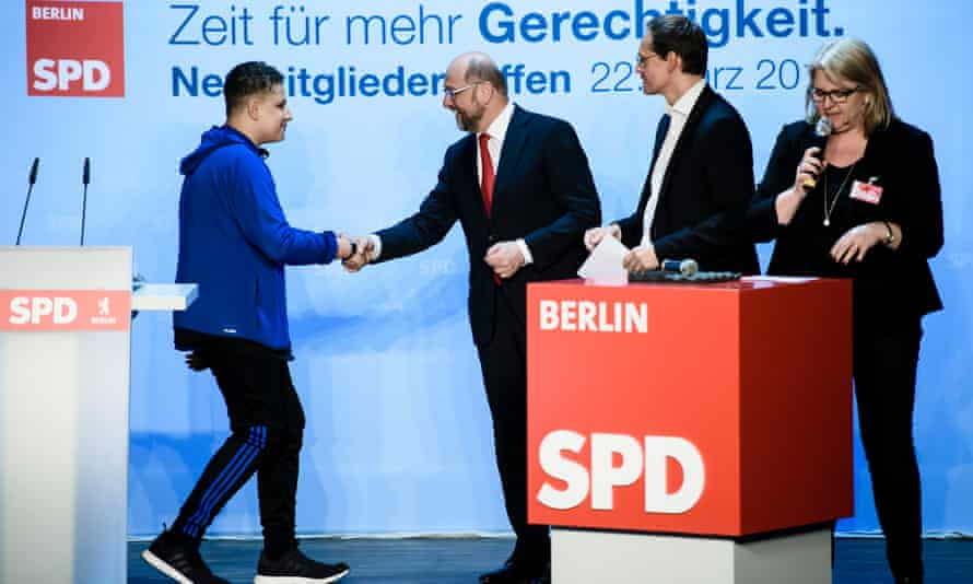 Schulz welcomes new member Nelson-Ramades Strube to the party.
