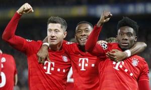 Robert Lewandowski, David Alaba and Alphonso Davies celebrate a comprehensive victory.