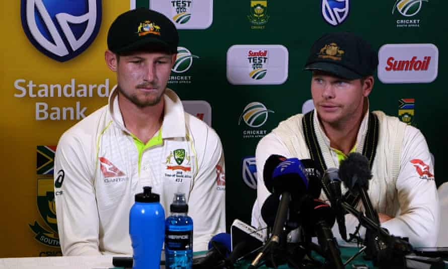 Steve Smith flanked by Cameron Bancroft