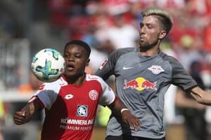 Ridle Baku, left, made a memorable debut for Mainz.