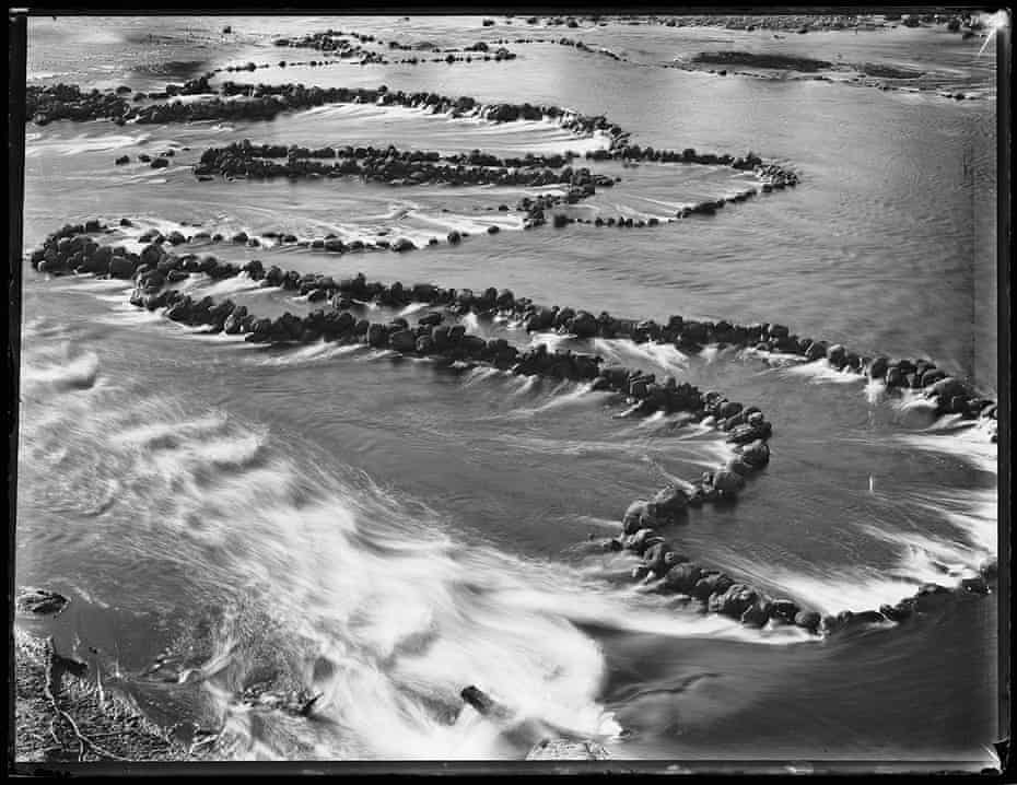 A glass-plate negative of the fish traps dating from 1880-1923.