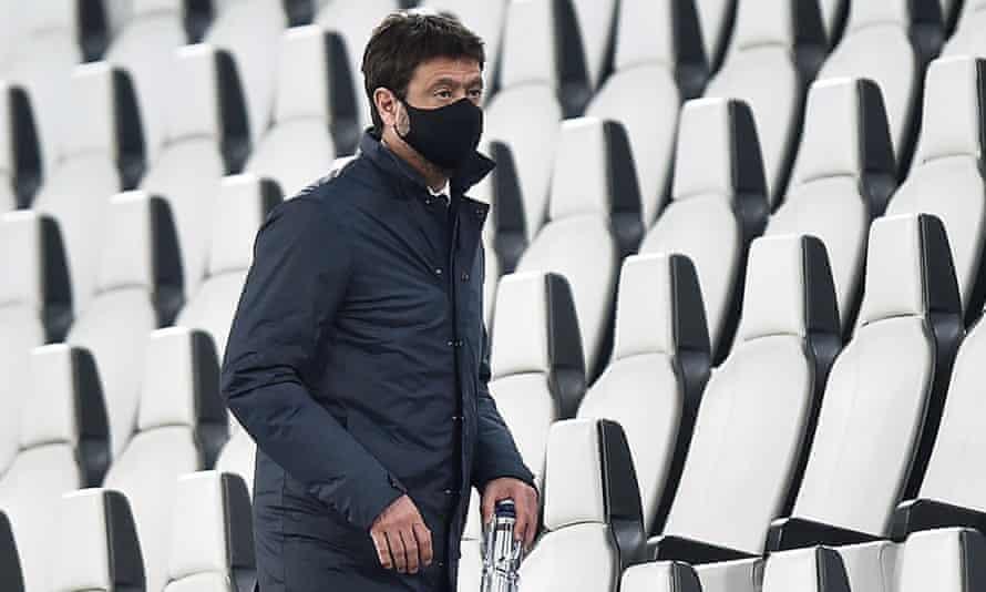 Il capitano della Juventus Andrea Agnelli è in tribuna durante la vittoria per 3-1 sulla Birmania.