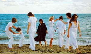Agnès Varda, centre in black, in The Beaches of Agnès (2008), which features a tribute to her husband Jacques Demy.