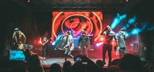 Crew Peligrosos perform in Aranjuez.