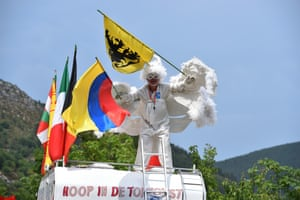 """If Le Tour has """"El Diablo"""" then it makes sense that it should also have an Angel. And it does, here's Ricardo """"the Angel"""" cheering on the riders on stage 14"""