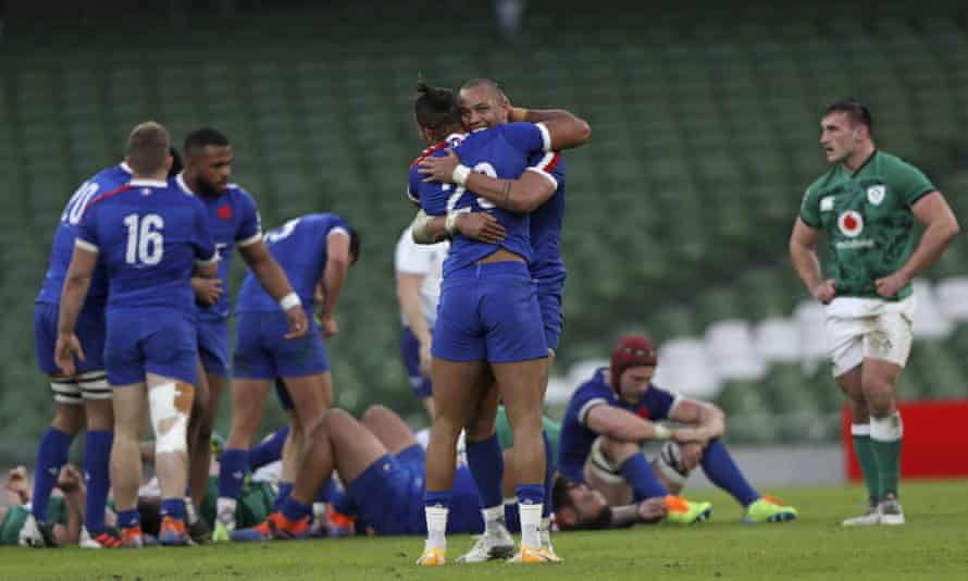 France celebrate their first victory in Ireland for a decade after edging to a 15-13 win.