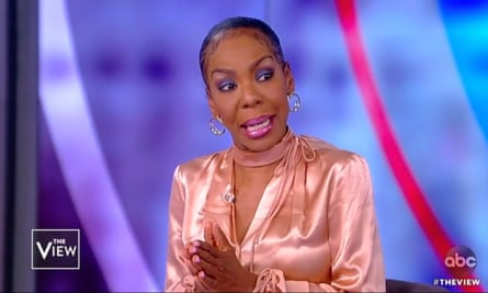 Andrea Kelly details domestic abuse by former husband R Kelly