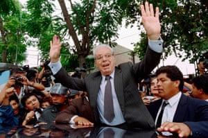 Javier Pérez de Cuéllar during his bid for the Peruvian presidency in 1995.