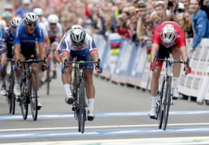 Sagan finishes in first place, Kristoff second.