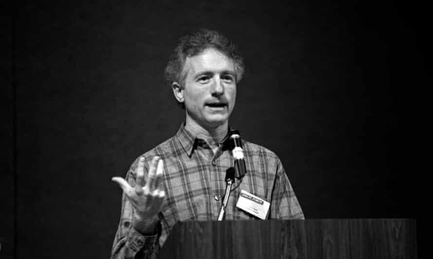 Larry Tesler, representing Apple, speaking at the annual PC Forum, in Tucson, Arizona, in 1990.