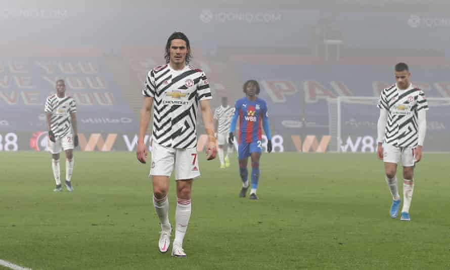 Edinson Cavani trudges off the Selhurst Park pitch on on a night when Manchester United failed to score for the third game in a row.