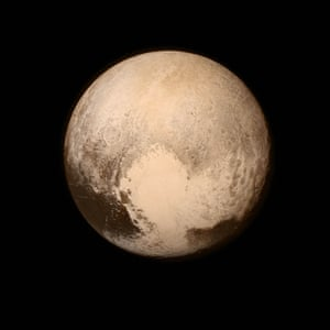 Nasa unveiled a new high-resolution photograph of Pluto, sent back to earth from the New Horizons spacecraft.