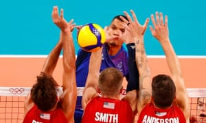 Stephen Boyer of France (top) in action with Torey DeFalco, David Smith and Matt Anderson of the USA.