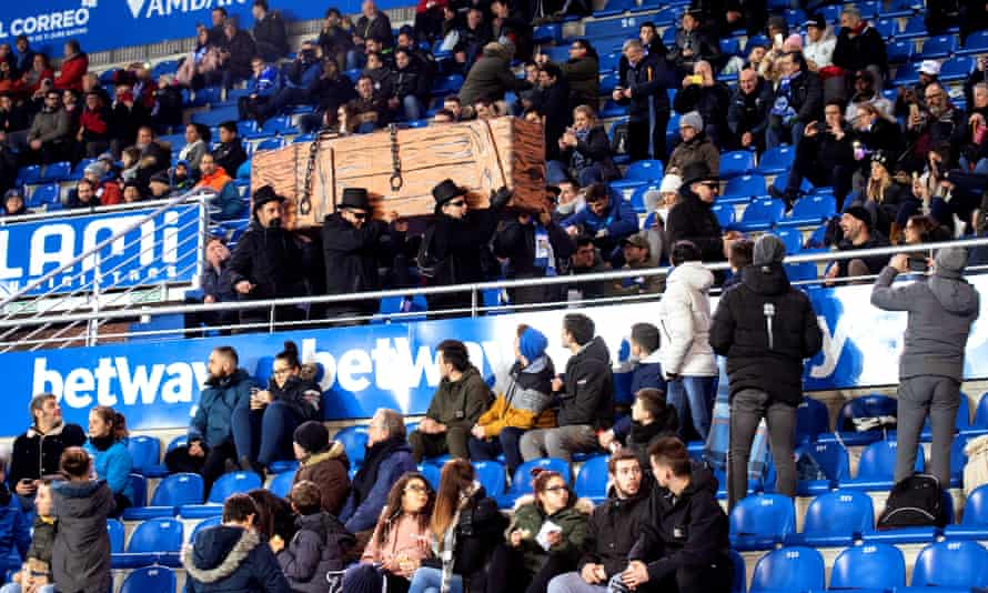Supporters of Alavés stage a mock funeral ahead of the visit of Levante in February in protest at the game being moved to a Monday.