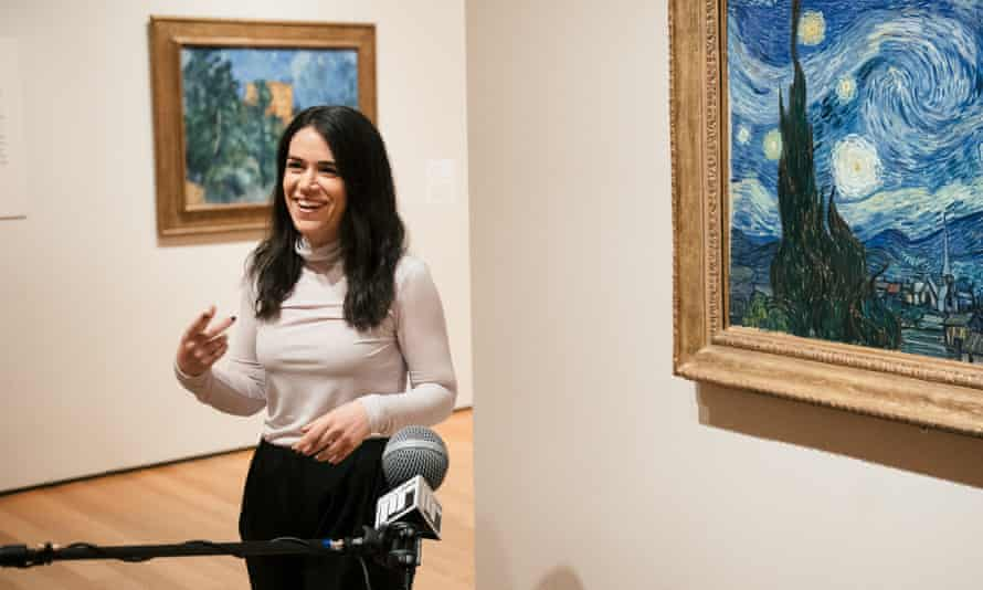 Abbi Jacobson in MoMA, next to Van Gogh's Starry Night.