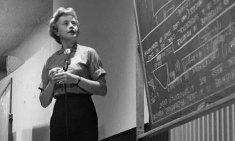 Margaret Burbidge in Dallas, Texas, in 1964. She challenged various forms of sexism in astronomy, and was elected first female president of the American Astronomical Society.