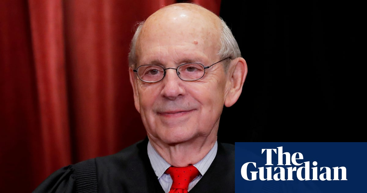 AOC suggests Justice Breyer should retire with Democrats in power
