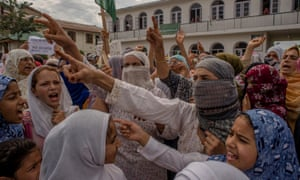 Women protest against India's revocation of Kashmir's special status in Srinagar, August 2019