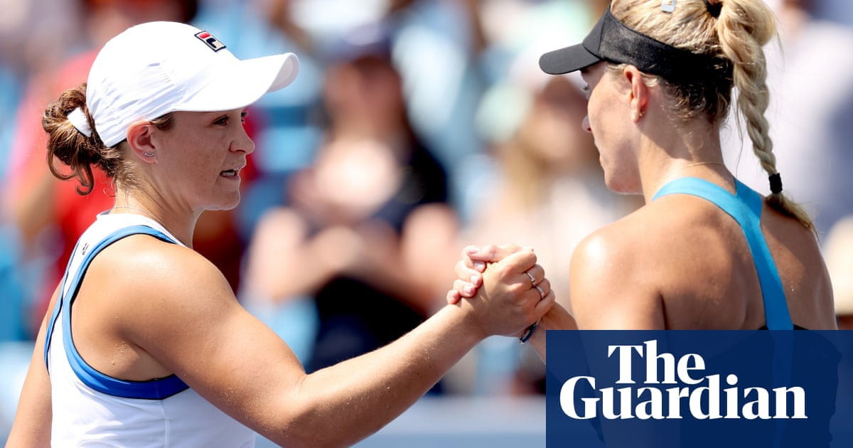 Ash Barty holds off Kerber fightback to book her place in Cincinnati final