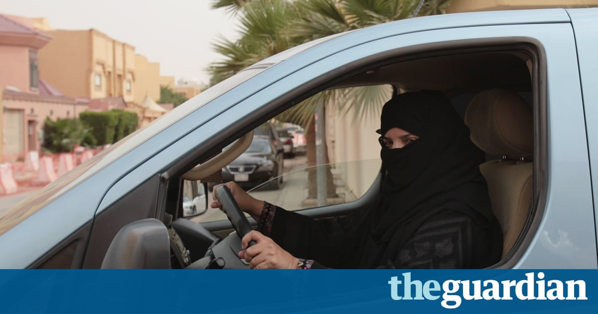 Saudi Arabia to allow women to obtain driving licences – Trending Stuff