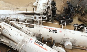 A freight train which derailed in Queensland was carrying 819,000 litres of sulphuric acid.