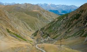 The dangerous road to Tusheti.
