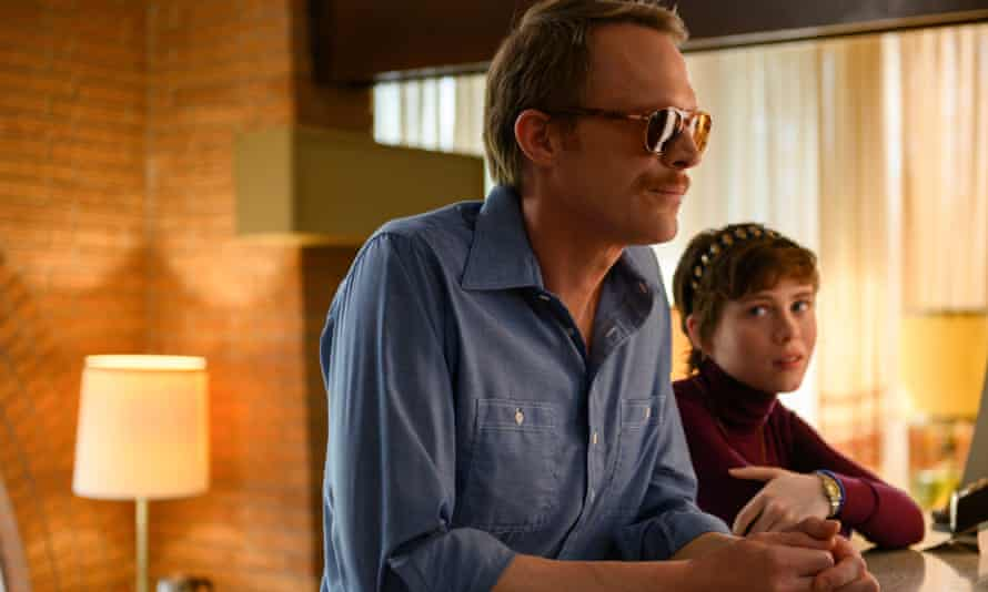 Paul Bettany and Sophia Lillis in Uncle Frank
