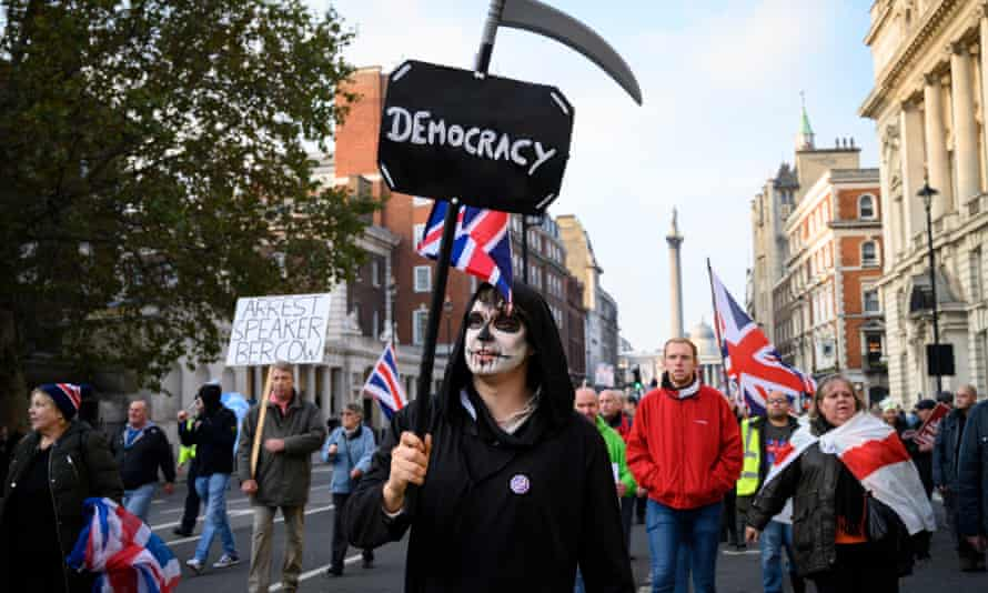 Pro- and anti-Brexit protests in London on 31 October, the day Prime Minister Boris Johnson promised to take the UK out of the EU