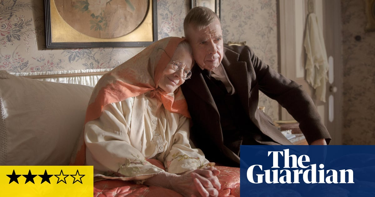 Mrs Lowry and Son review – Redgrave and Spall paint a delicate portrait