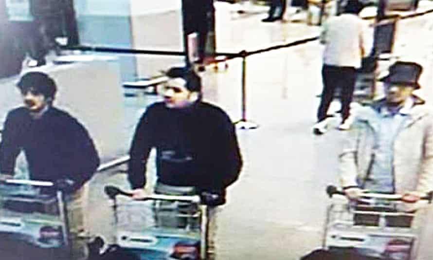 CCTV of three suspects wheeling baggage trolleys