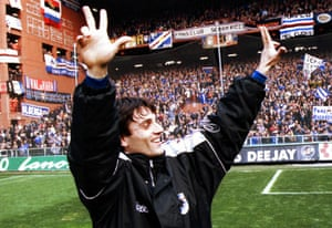 Montella salutes the Sampdoria fans during his days as a player with the club.