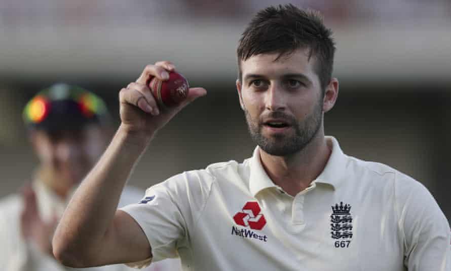 England fast bowler Mark Wood Photograph: Ricardo Mazalán/AP
