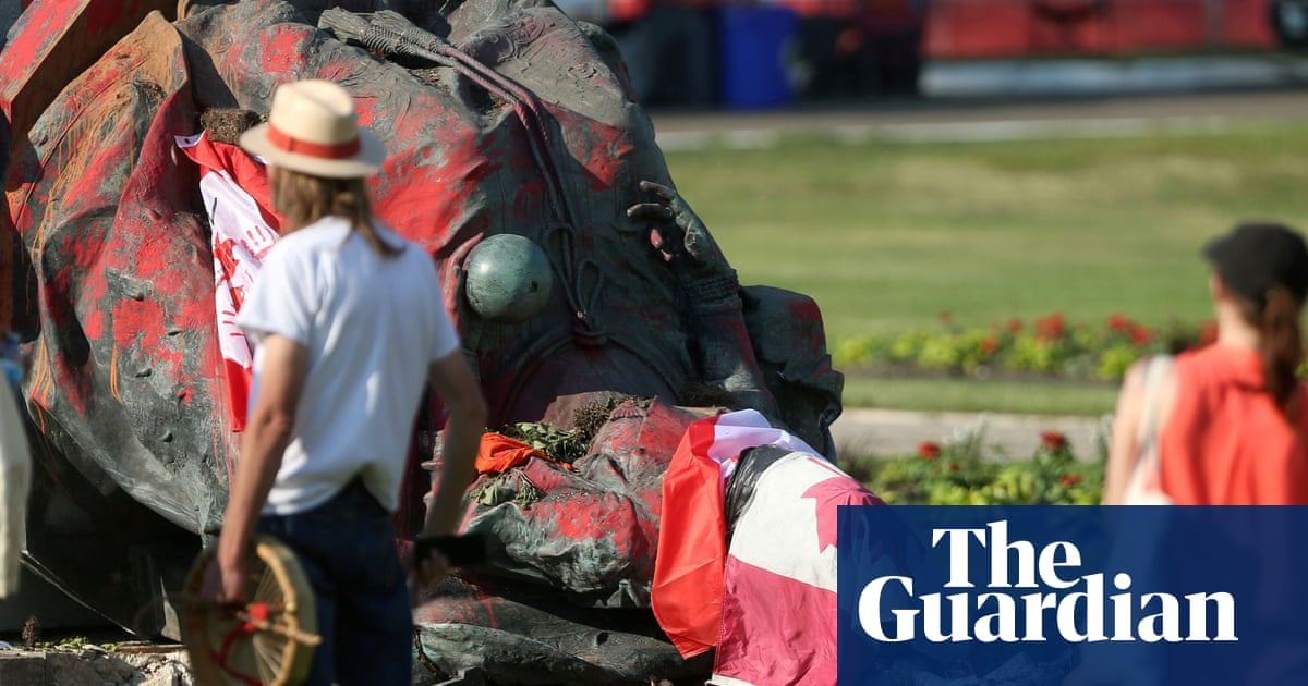 Queen Victoria statue toppled in Canada over deaths of indigenous children – video