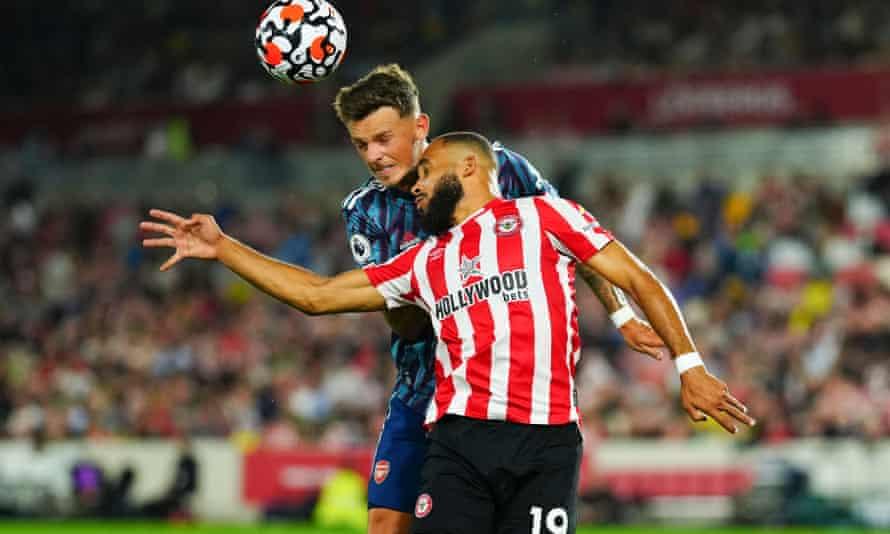 Ben White in action against Brentford
