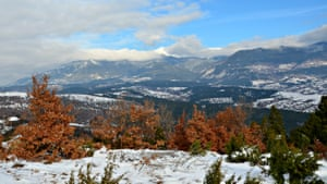 Kresna valley under threat : contra mountain view Arthur Neslen story on new motorway in Bulgaria funded by EU