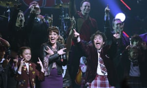 Sierra Boggess and Alex Brightman with the cast of School of Rock