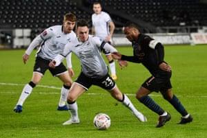 Swansea are struggling to gain possession.
