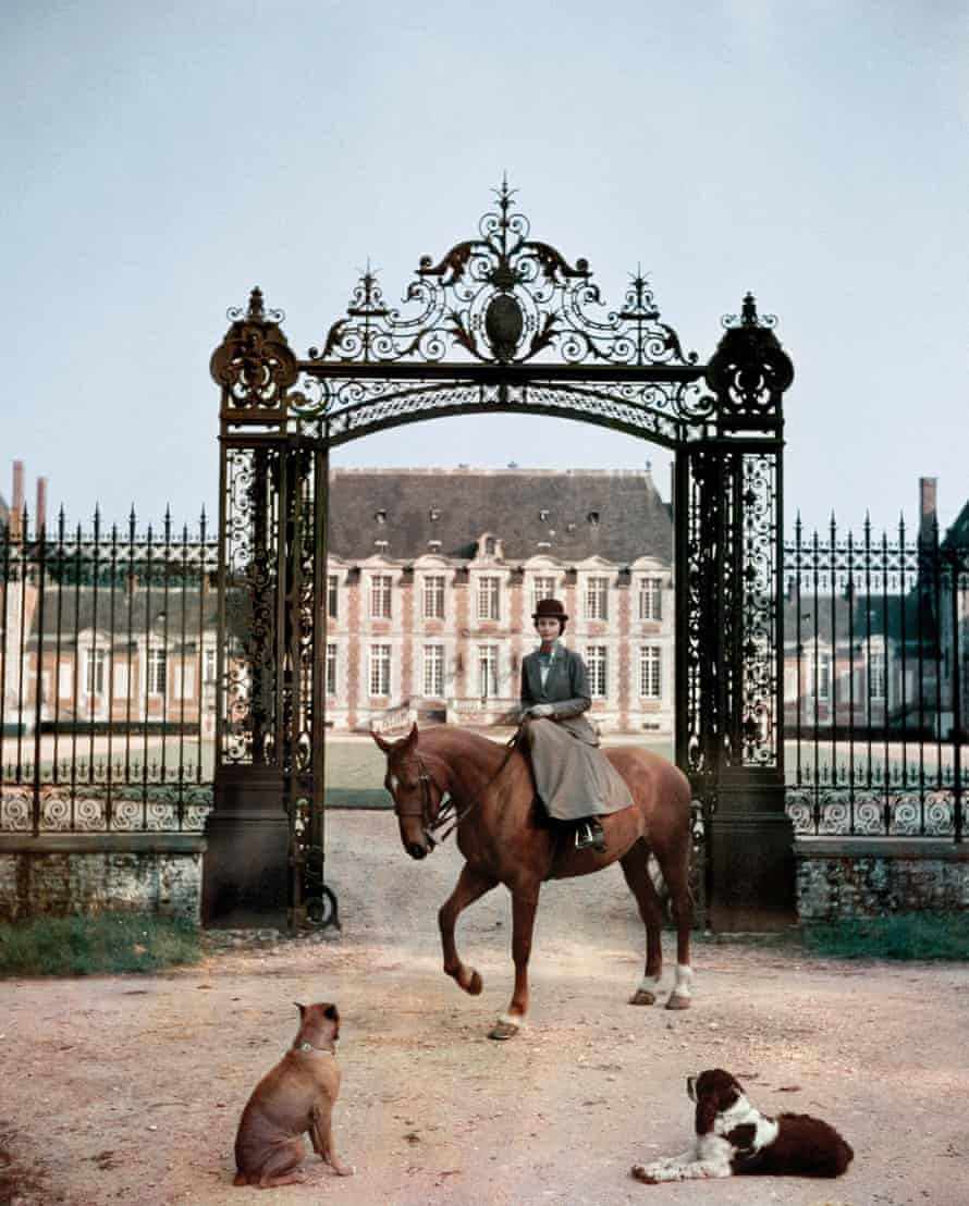 Laure de La Haye‐Jousselin at the gates to her château in Normandy, 1957