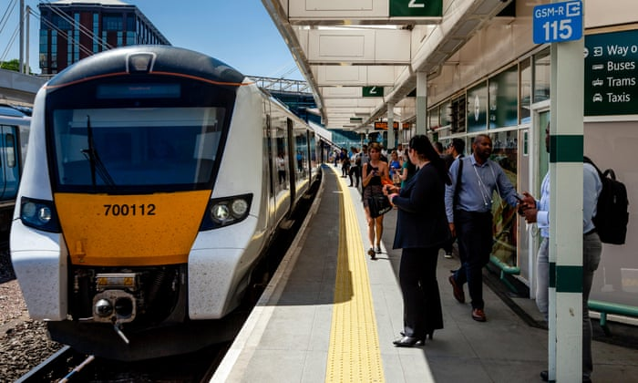 Passenger satisfaction on British trains on the rise, survey