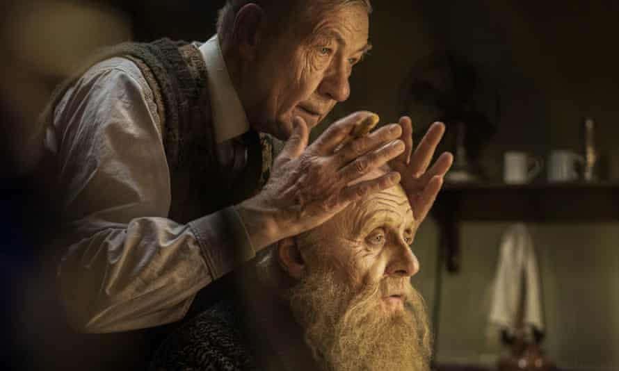 Proud of their am-dram beginnings … Ian McKellen and Anthony Hopkins in The Dresser.
