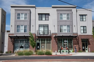 New town houses on Broadway in Oak Park's Triangle District.