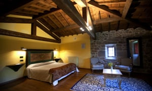 Bedroom at Rectoral de Castillón.