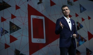 YouTube chief business officer Robert Kyncl told CES that YouTube has put an end to the traditional family holiday arguments about what to watch on TV; now everyone sits on their own watching YouTube on their phones