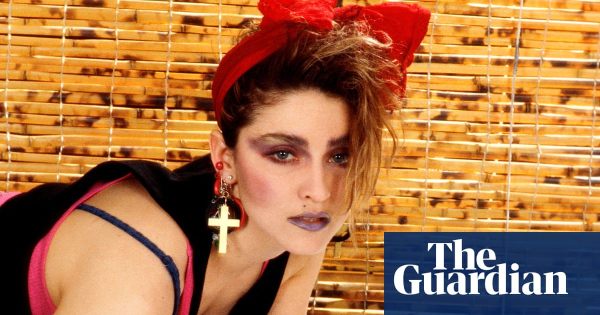 Madonna to direct and co-write her own biopic
