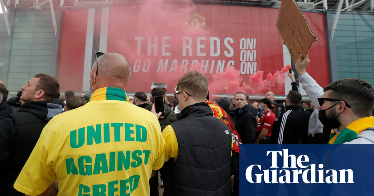 Manchester United fan protests, Bale brilliance and more – Football Weekly