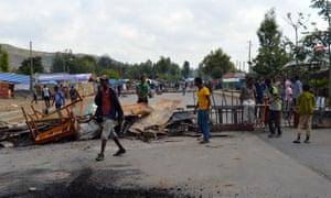 Protesters block the road in Wolenkomi, in the Oromia region of Ethiopia
